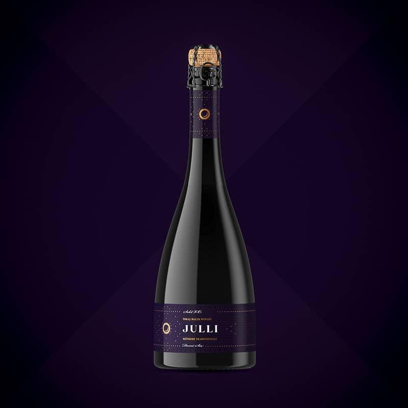 Etiketa na víno obalový dizajn sekt JULLI red- TOKAJ MACIK WINERY
