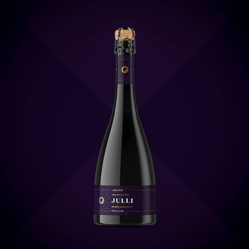 Wine label, packaging design JULLI Red for TOKAJ MACIK WINERY